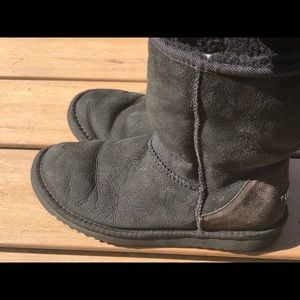 UGG F8008C Tall Leather Sheepskin Boots Size W6